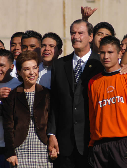http://muchogrrrande.files.wordpress.com/2008/05/vicente-fox.jpg